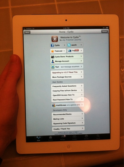 White iPhone Coming, 500K iPad 2 Units Sold?