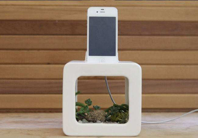 10 Super Cool iPhone Docks You Should See