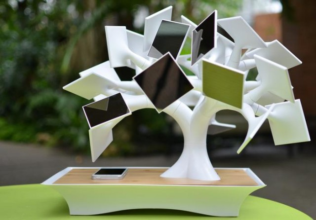 The electree+ Solar Charger, i.am+ Turns iPhone into a 14MP Camera