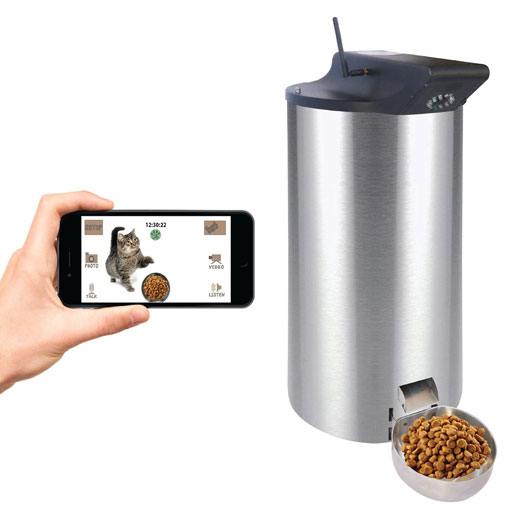 https://iphoneness-exxponentllc.netdna-ssl.com/wp-content/uploads/2016/10/28/PetPal-WiFi-Automatic-Pet-Feeder.jpg